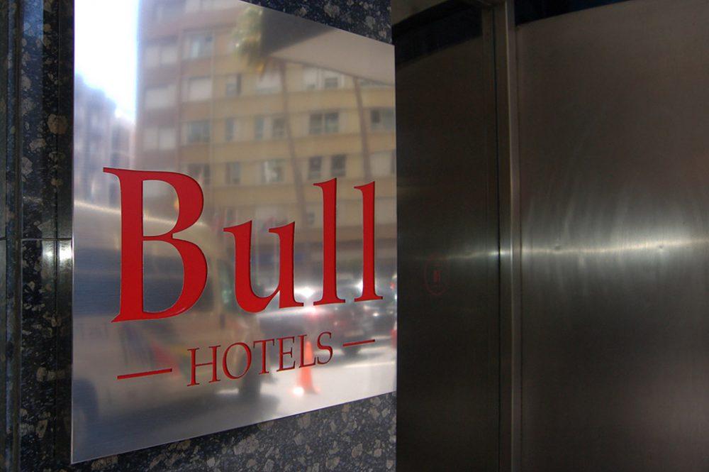 Cartel en bandeja de acero inoxidable, Bul Hotels Gran Canaria