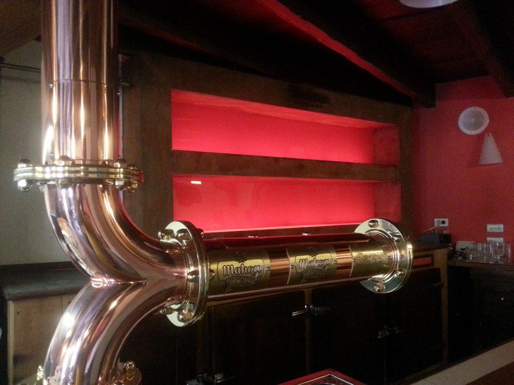 Contrabarra mahou publexcan for Fabricacion de bares de madera