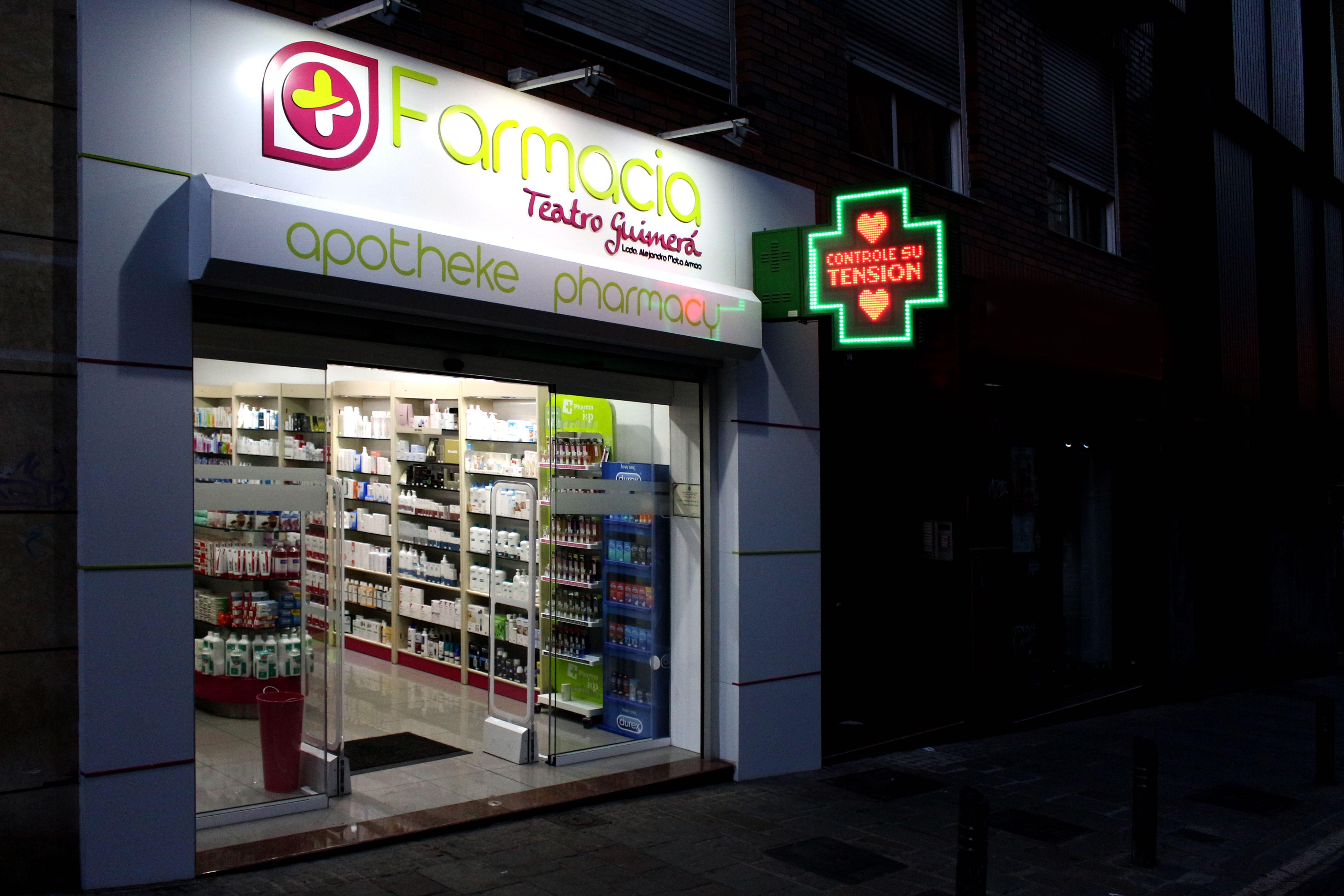 Decoracion de farmacias finest la decoracin interior de - Decoracion farmacias ...