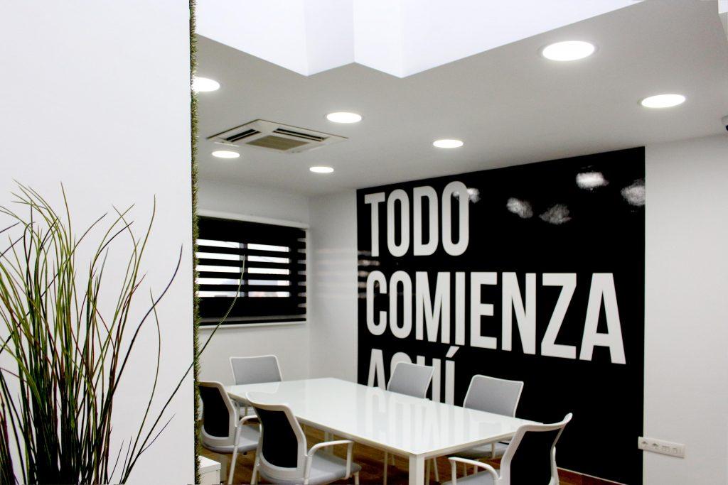 Decoraci n oficinas atelier publexcan for Decoracion de interiores para oficinas