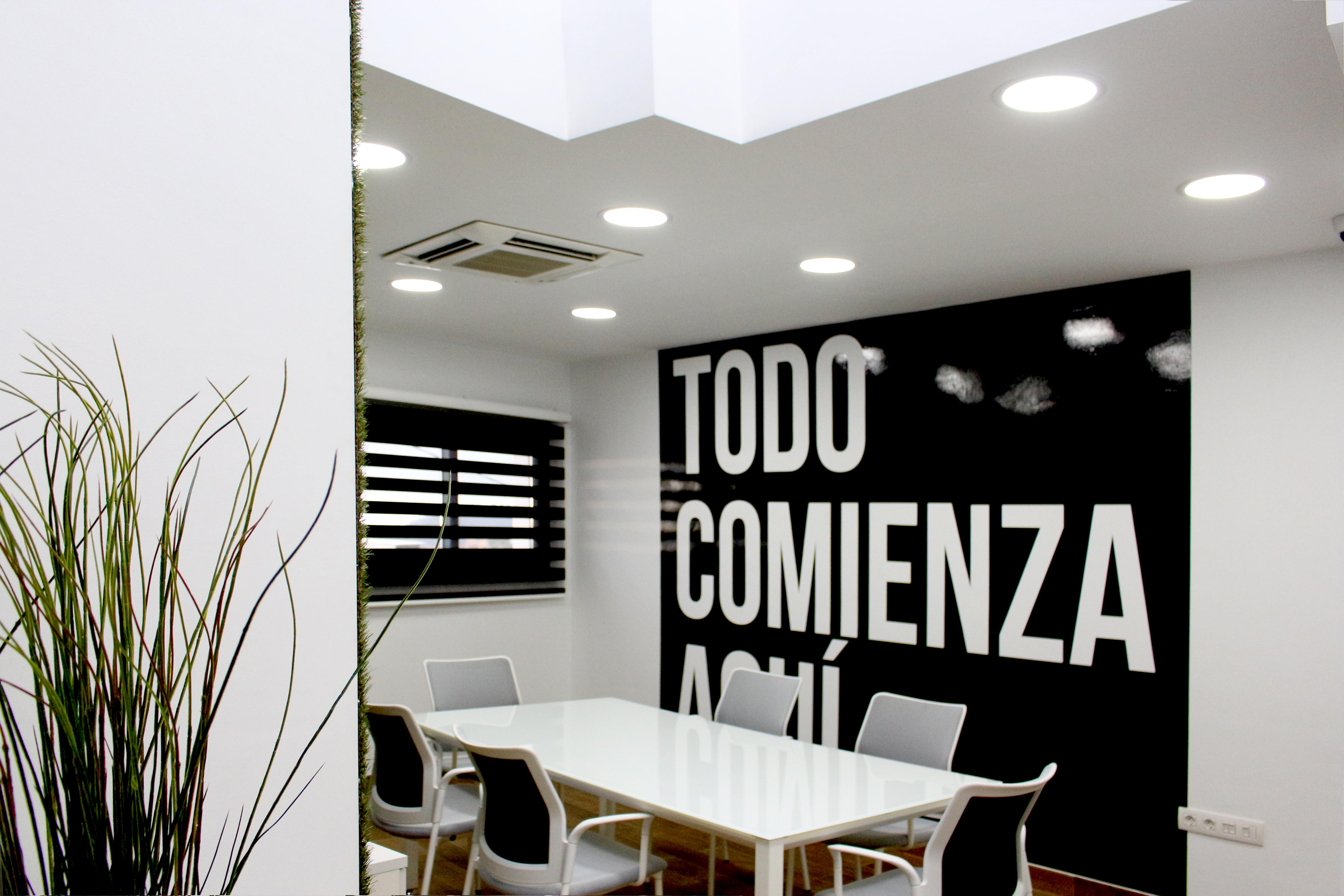 Decoración Oficinas Atelier • Publexcan