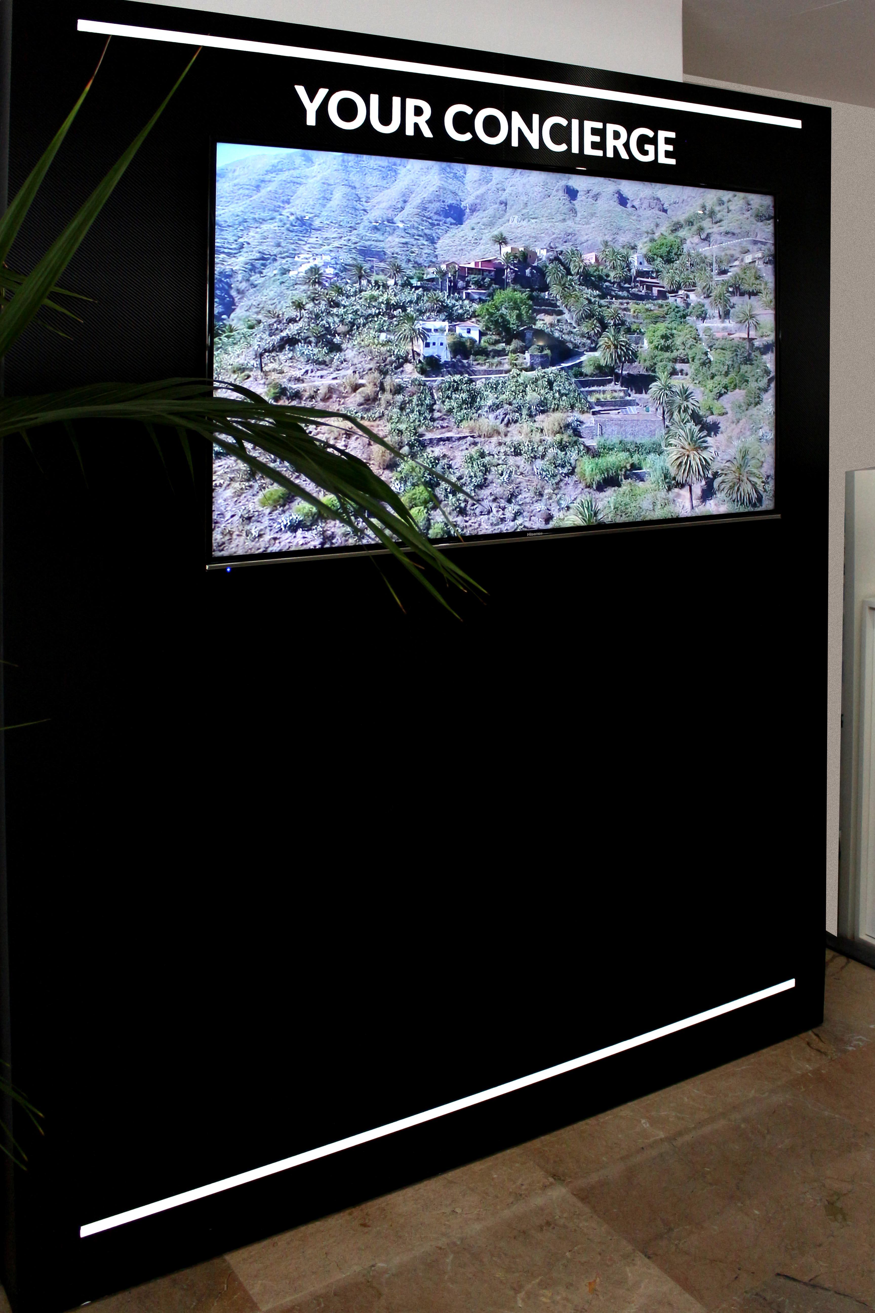 Mobiliario corporativo en punto de venta, Tenerife