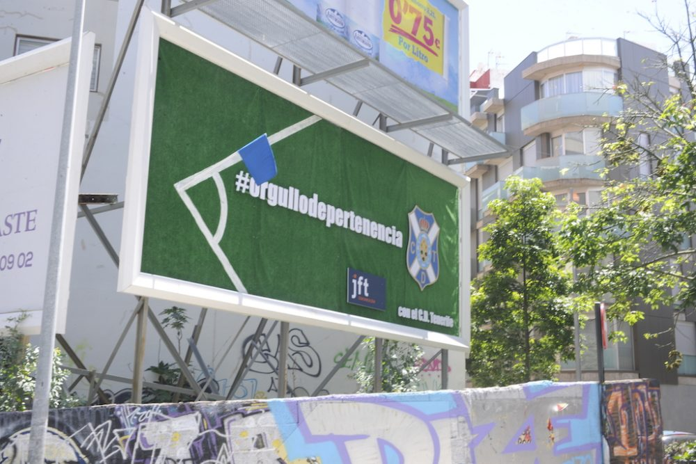 Valla publicitaria 8x3, CD Tenerife