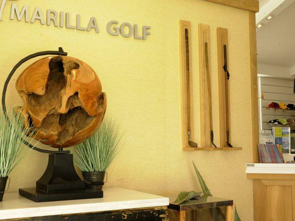 Decoración Lobby y Vestuarios de Amarilla Golf