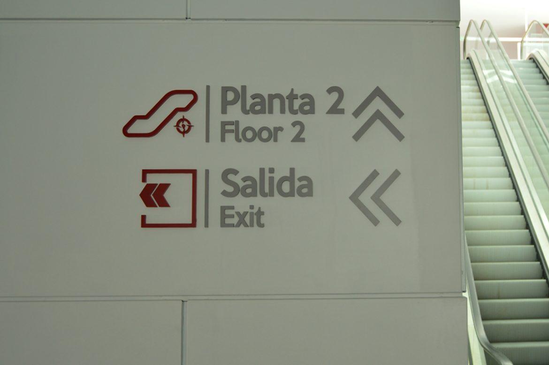 Señalética informativa y direccional corpórea, Tenerife C.C Galeón •  Publexcan