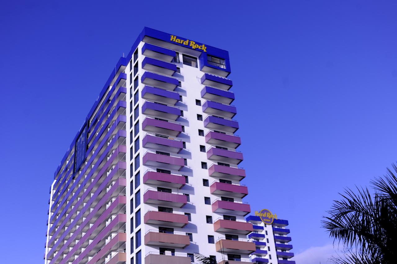Rótulo corpóreo de fachada, Hard Rock Hotel, Tenerife Sur