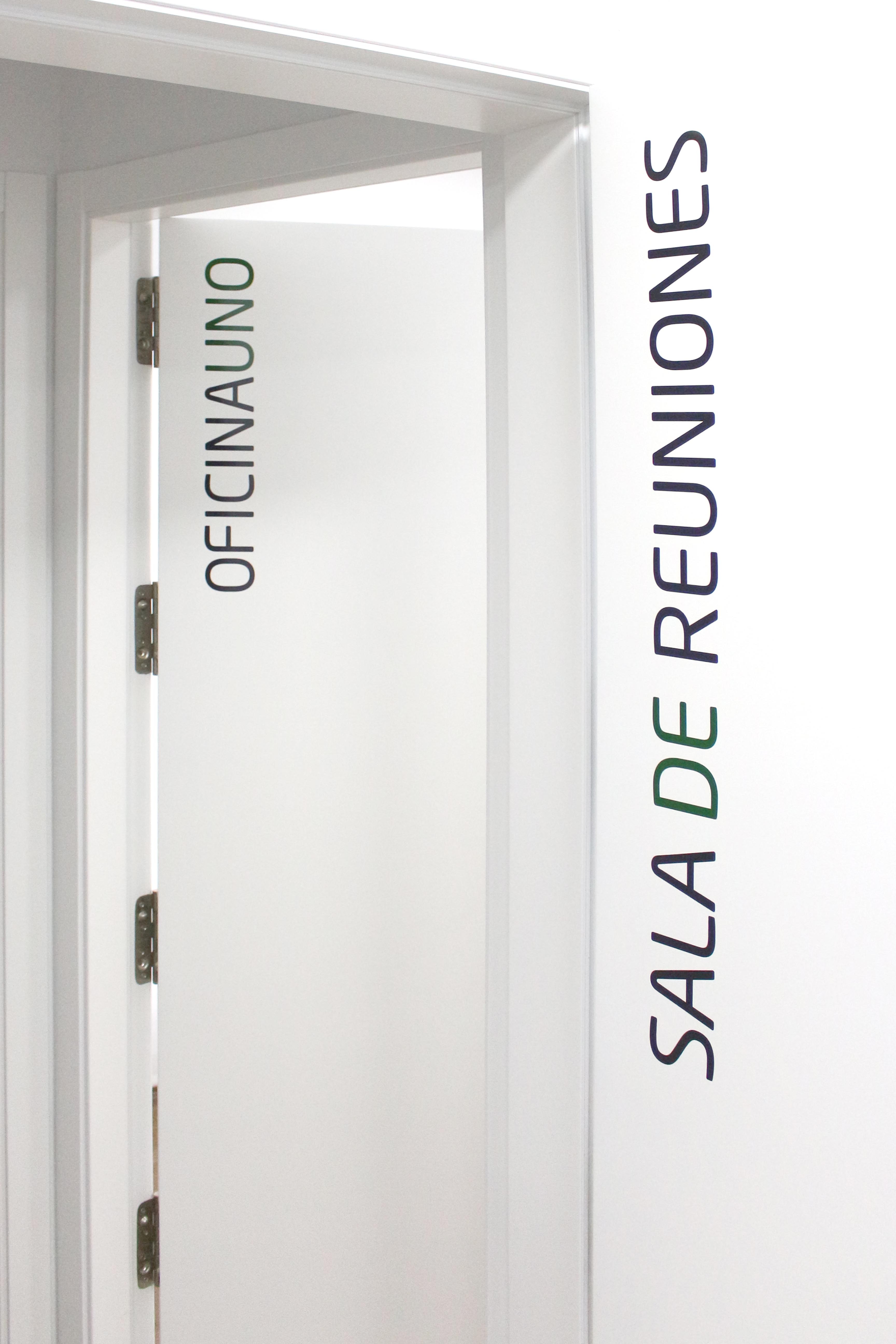 Rotulación en vinilo de corte 3M, Atelier Coworking, Tacoronte, Tenerife