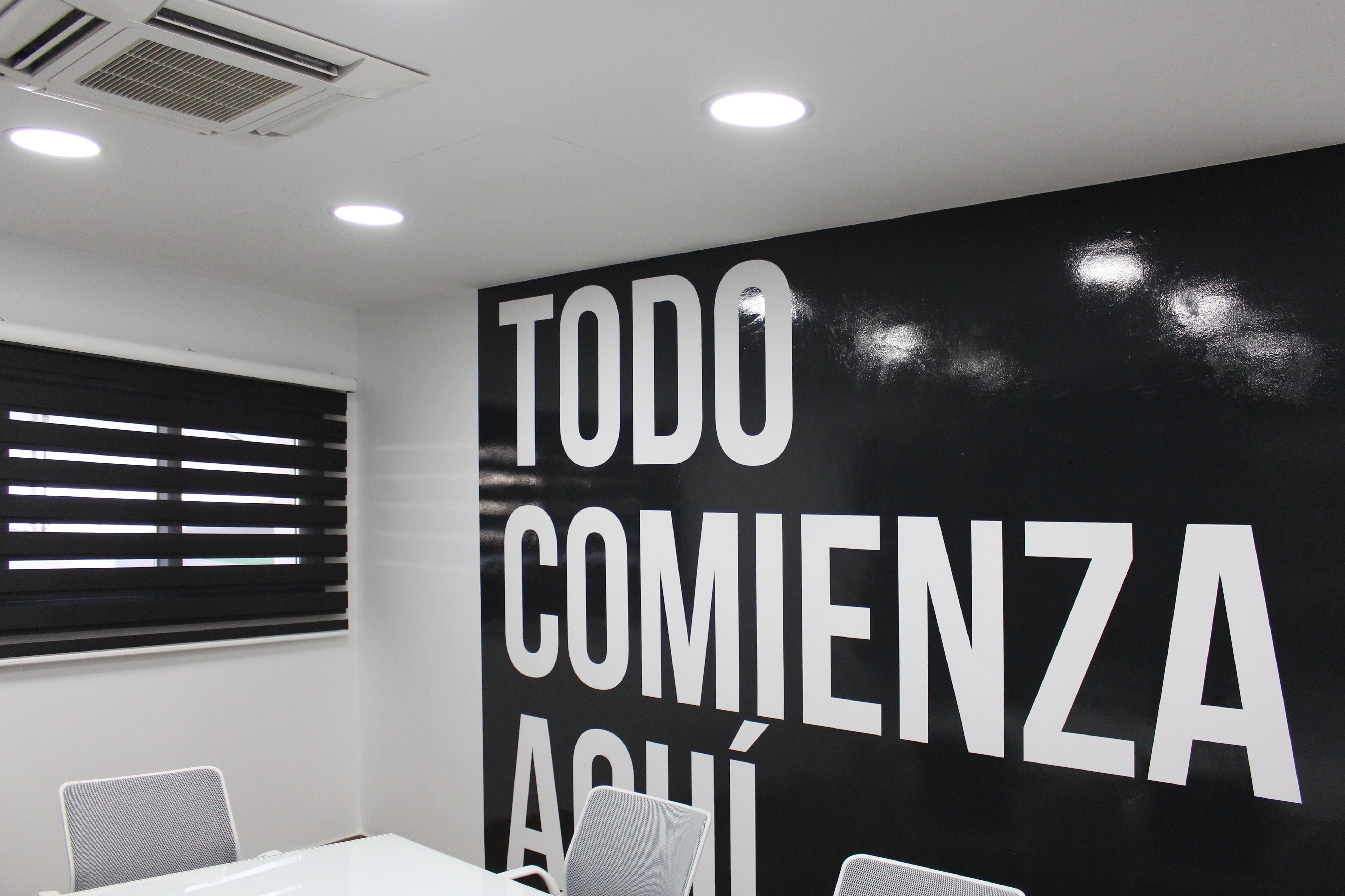 Vinilo impreso en tintas látex, Atelier Coworking, Tacoronte, Tenerife