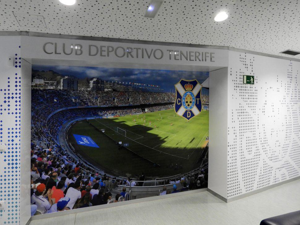 Decoración corporativa oficinas C.D. Tenerife (gigantografía)