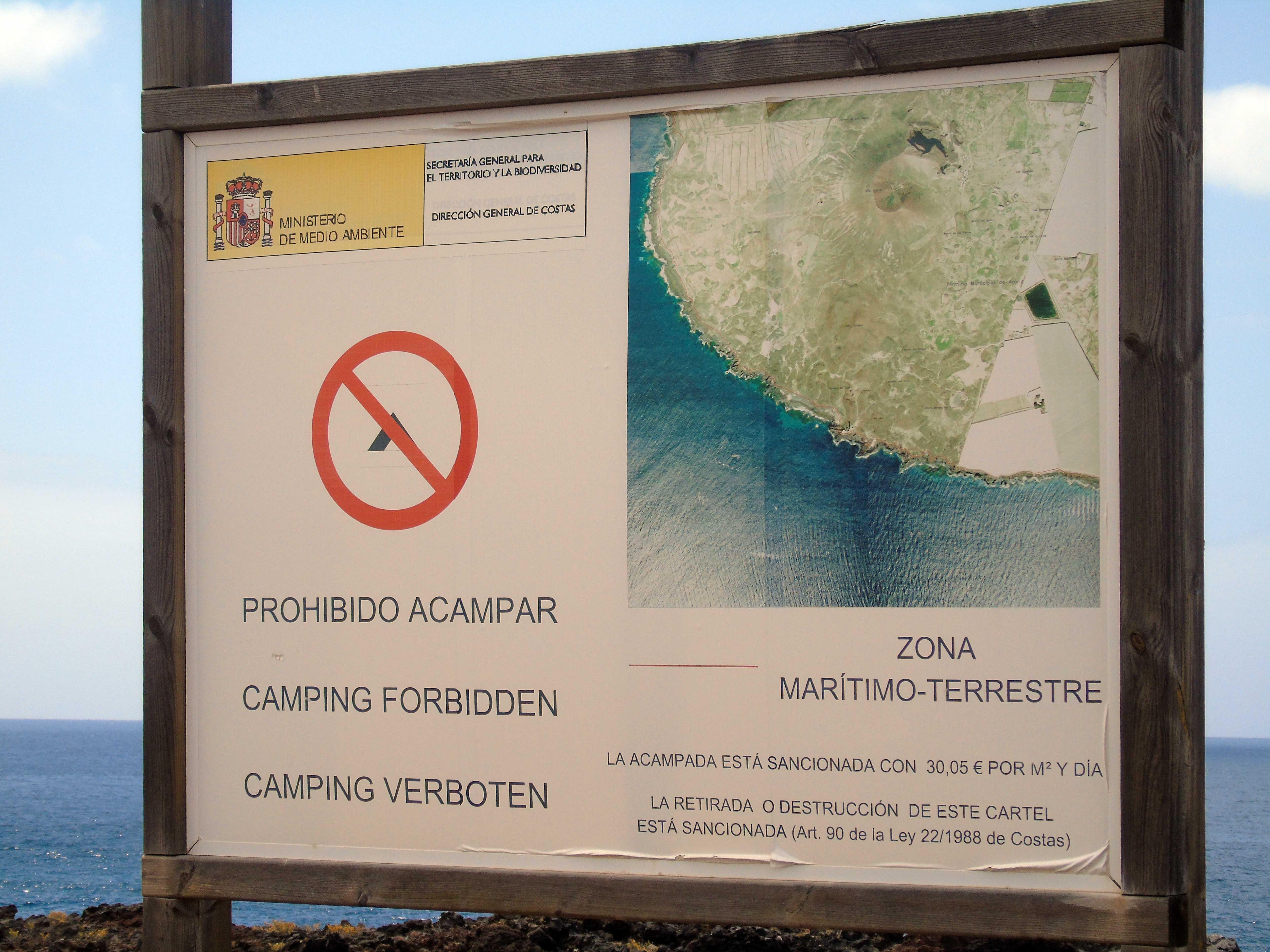 Saneamiento y fabricación de nuevos elementos de señalización exterior rústica, El Socorro - Güimar, Tenerife